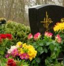 Comment bien entretenir une pierre tombale ?